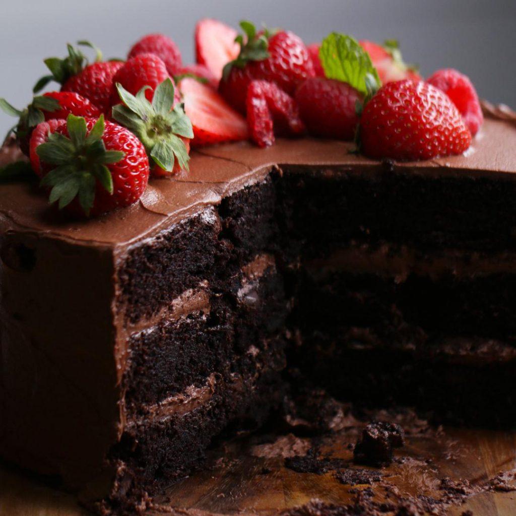 أسهل طريقة تحضير كيكة الشوكولاتة الهشة