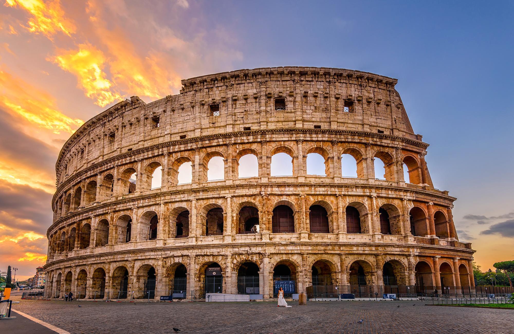 إيطاليا