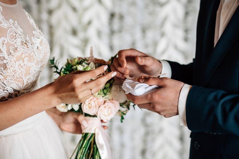 أغرب تقاليد الزواج في العالم