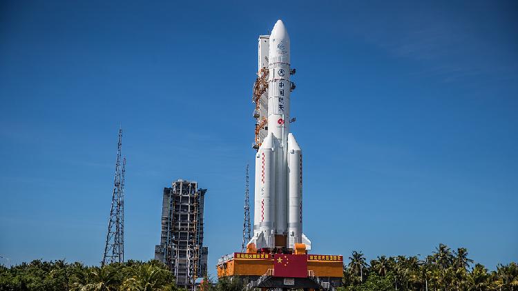 الصاروخ الصيني السابح في الفضاء.. هل يسقط فوق رؤوسنا ؟