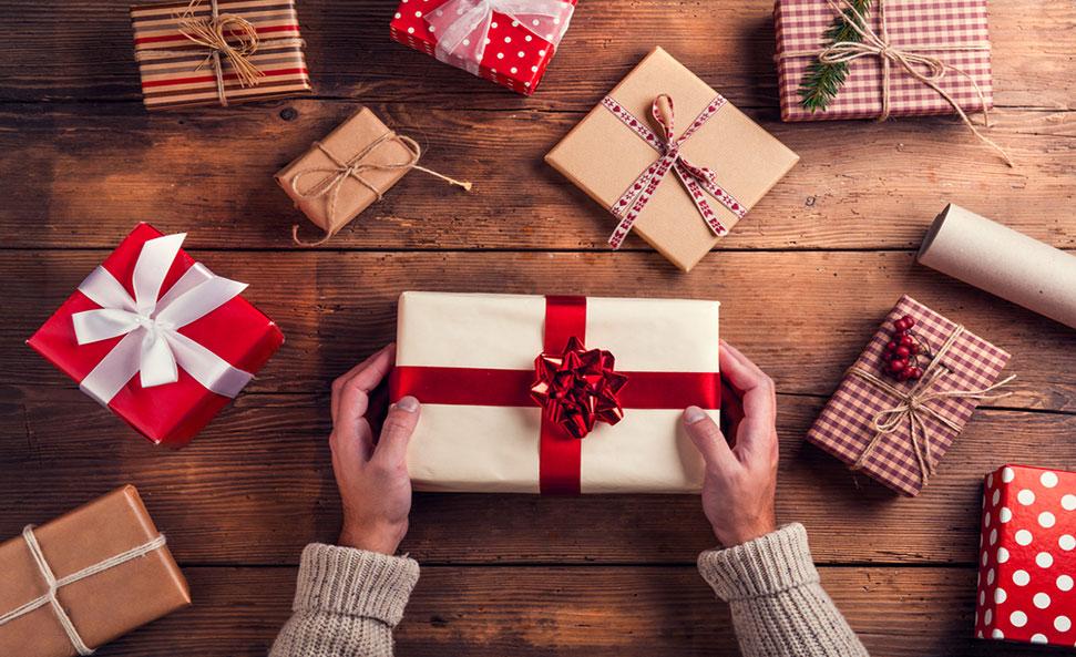كيف تختار هدية مميزة ل شخص مقرب ؟ إليك أفكار مميزة و فريدة ..