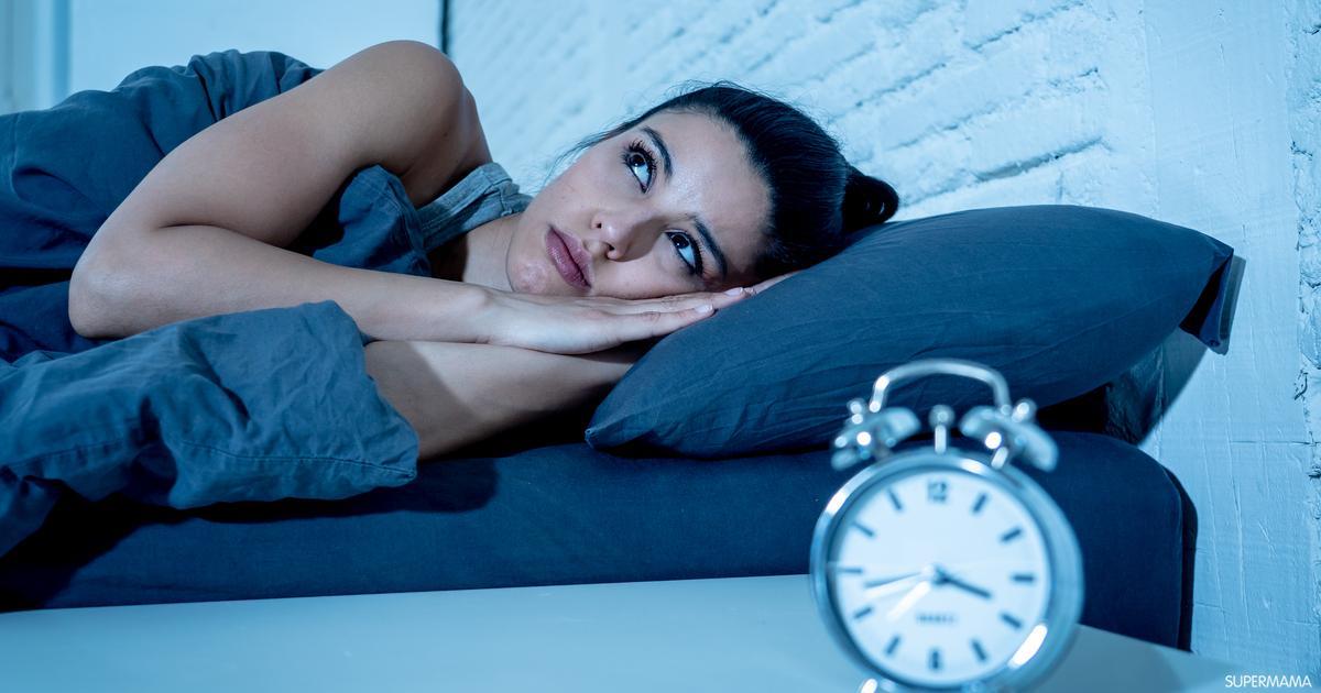 عدم الحصول على الكفاية من النوم ماهي أسباب توقف نمو الشعر اختيار مستحضرات العناية غير المناسبة نقص الزنك التسريحات المشدودة جفاف الشعر